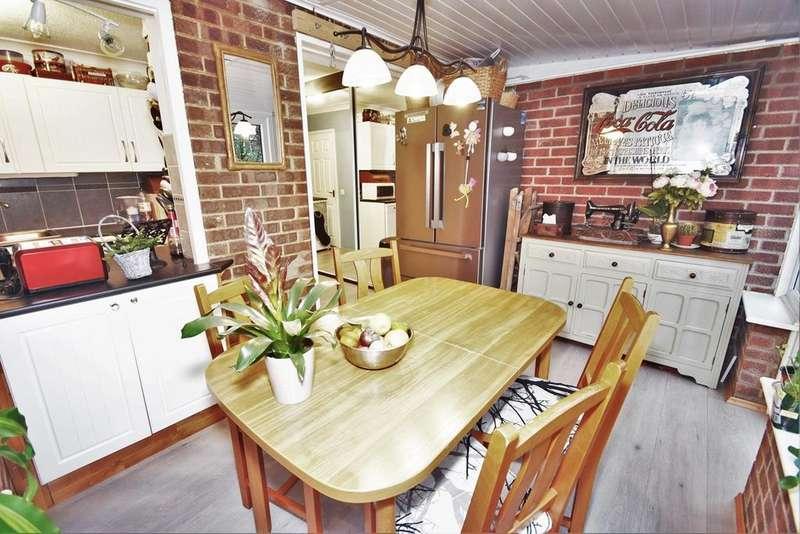 3 Bedrooms End Of Terrace House for sale in Woodbury Road, Walderslade Woods, ME5