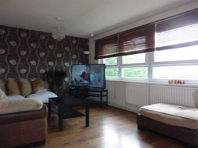 3 Bedrooms Flat for sale in Leicester House, Cavendish Road, London
