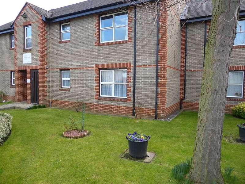 1 Bedroom Retirement Property for sale in Gordon Palmer Court, Reading