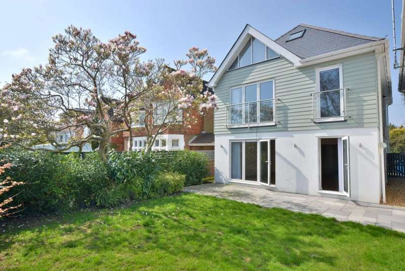4 Bedrooms Detached House for sale in Harbour View Road, Parkstone, Poole, BH14 0PD