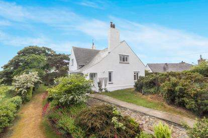 4 Bedrooms Detached House for sale in Bull Bay Road, Amlwch, Sir Ynys Mon, Anglesey, LL68