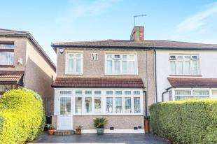 3 Bedrooms Semi Detached House for sale in Ashwater Road, Lee, London