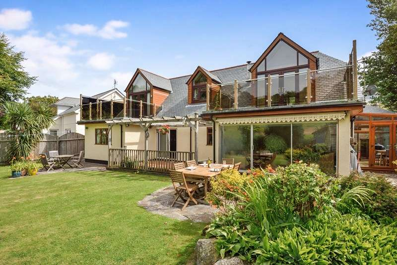 5 Bedrooms Detached Bungalow for sale in Perrancoombe, Perranporth