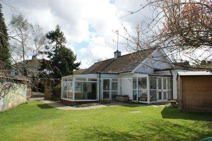 4 Bedrooms Bungalow for sale in Wadebridge, Cornwall
