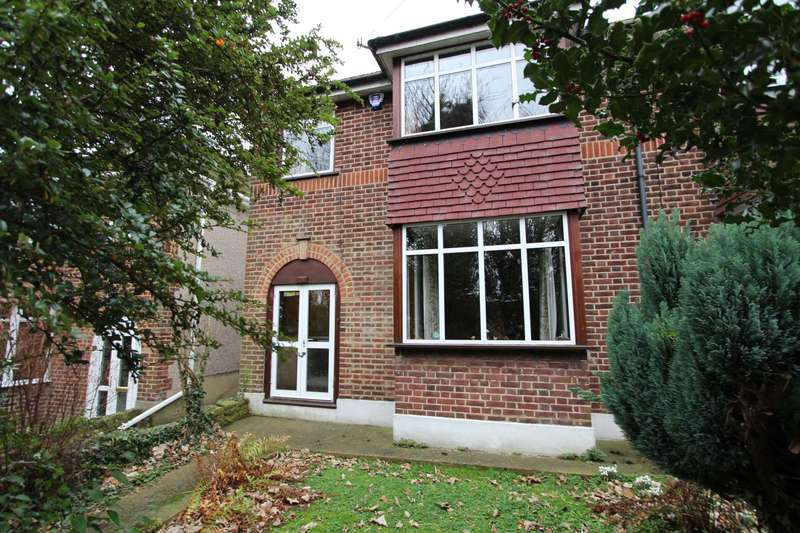 3 Bedrooms Semi Detached House for sale in Holyoake Mount, Old Road East Gravesend