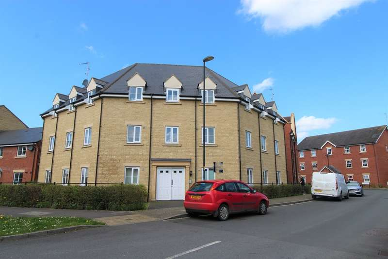 2 Bedrooms Flat for sale in Rochester House, Eyre Close