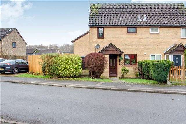 1 Bedroom Cluster House for sale in Chevening Road, Tollgate Hill, Crawley