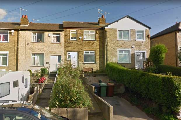 3 Bedrooms Terraced House for sale in Tyersal View, Bradford, West Yorkshire, BD4 8HS