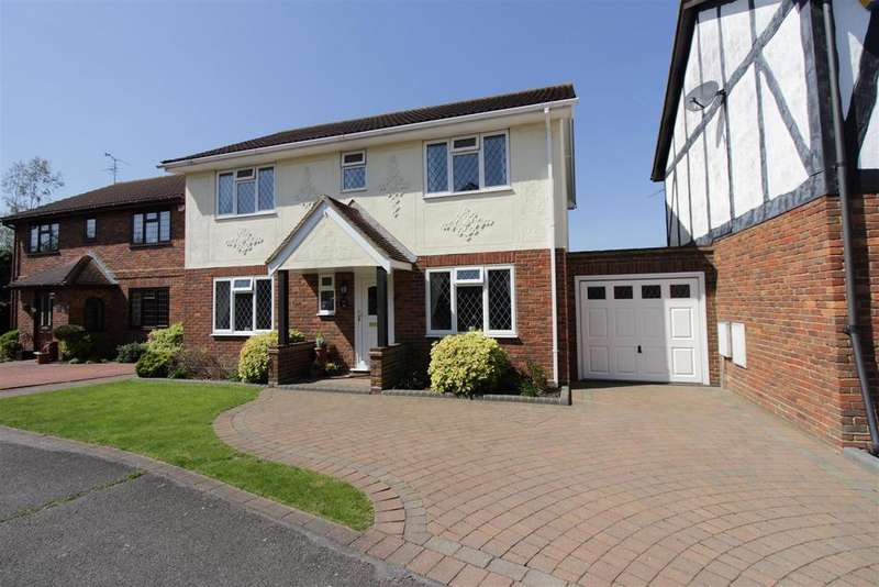 4 Bedrooms Detached House for sale in Barncombe Close, Benfleet