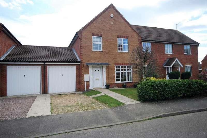 3 Bedrooms Link Detached House for sale in Jasmine Court, Spalding