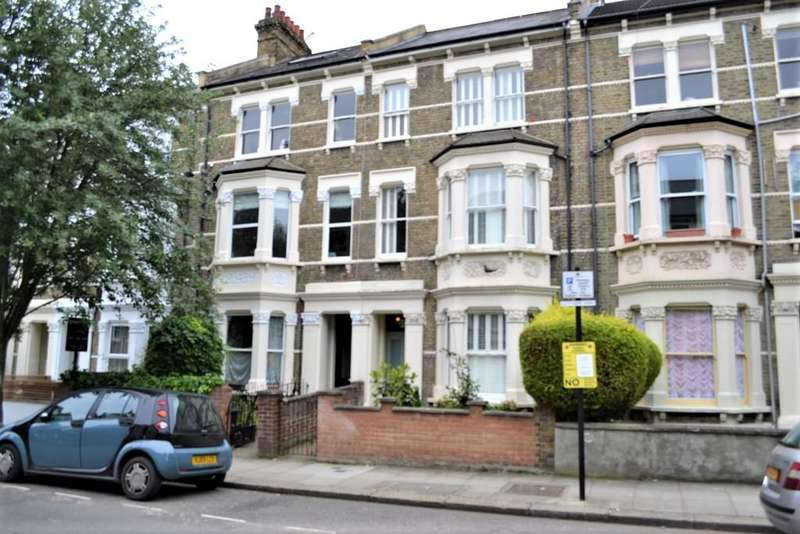 Studio Flat for sale in Croxley Road, Maida Hill/Queens Park, London W9