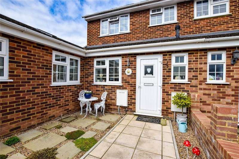 4 Bedrooms Semi Detached House for sale in High Road, Leavesden, Watford/Garston, Hertfordshire, WD25