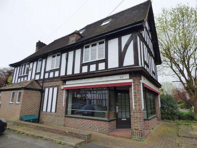 3 Bedrooms Flat for sale in BOOKHAM