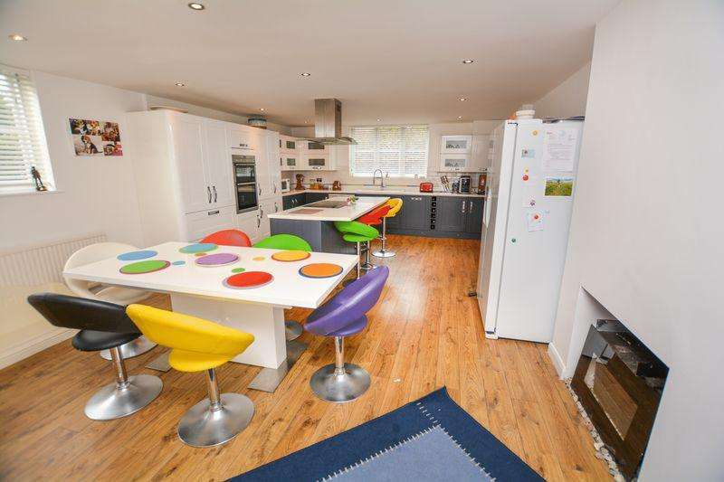 4 Bedrooms Unique Property for sale in Bledlow Ridge