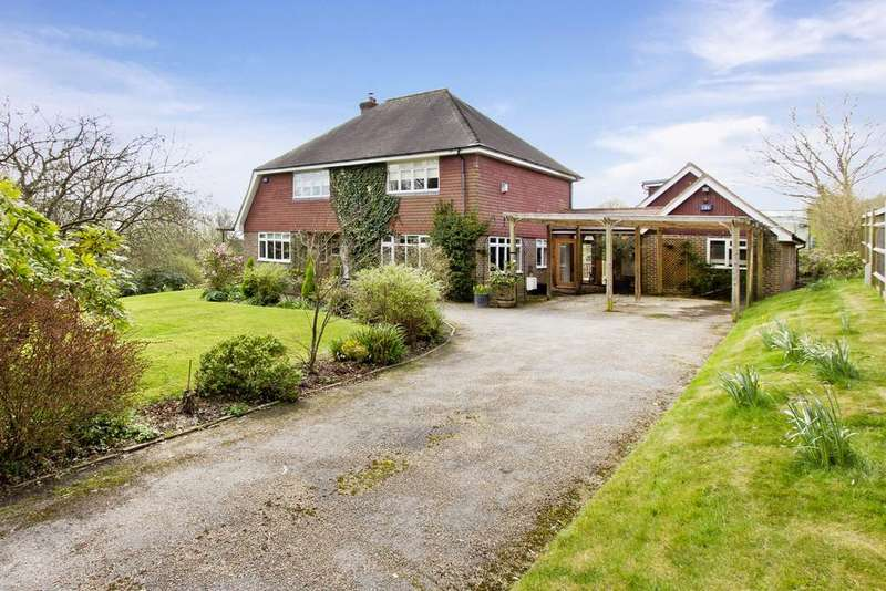5 Bedrooms Detached House for sale in Blackness Road, Crowborough