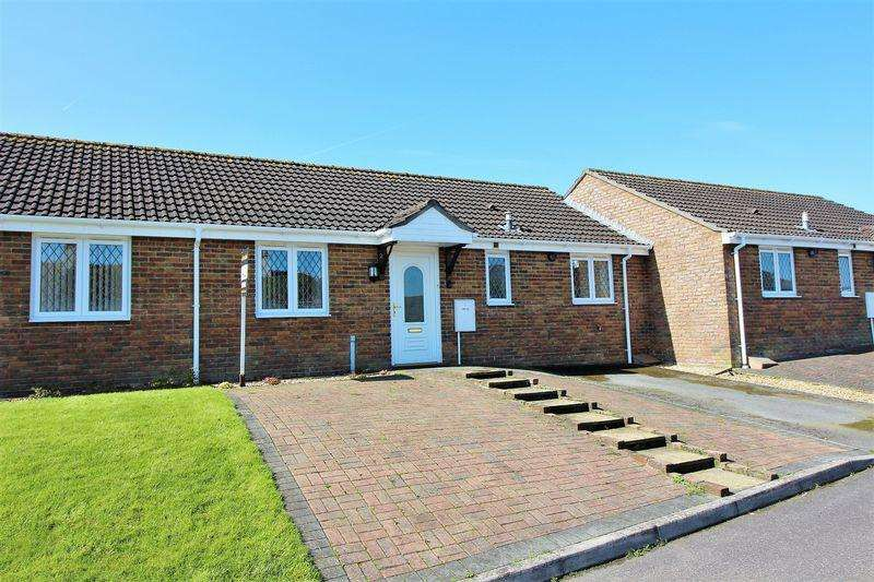 2 Bedrooms Bungalow for sale in Vine House Gardens, Chard