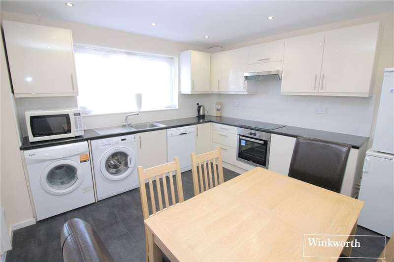 3 Bedrooms House for sale in Dales Path, Farriers Way, Borehamwood, Hertfordshire, WD6