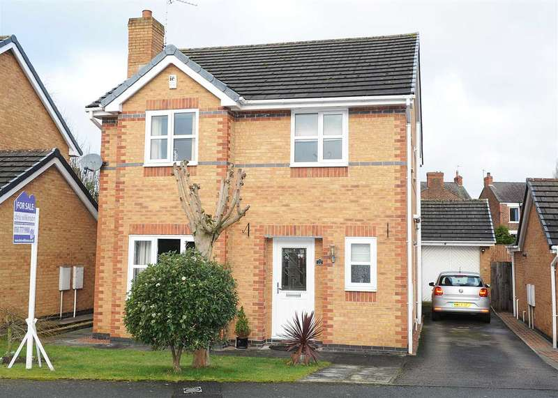 4 Bedrooms Detached House for sale in 22 Locklands Lane, Irlam M44 6RB