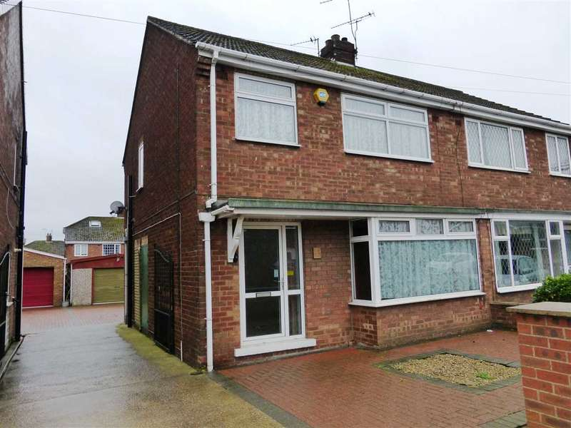 3 Bedrooms Semi Detached House for sale in Lancaster Road, Scunthorpe