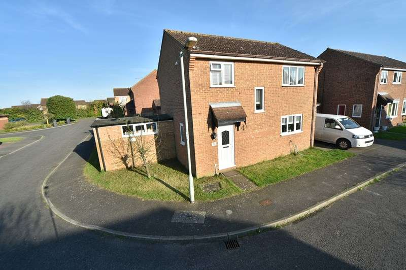 3 Bedrooms Detached House for sale in Macpherson Robertson Way, Mildenhall, Bury St. Edmunds