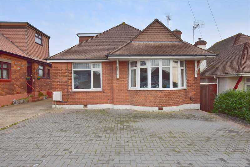 4 Bedrooms Detached House for sale in Downsway, Southwick, West Sussex, BN42