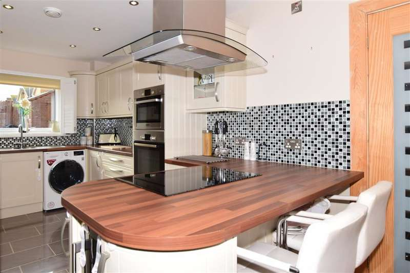 3 Bedrooms Detached House for sale in Olympia Way, , Whitstable, Kent
