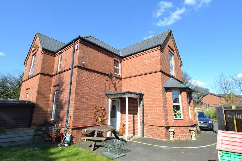 3 Bedrooms Detached House for sale in Hollymoor Way, Northfield, Birmingham, B31