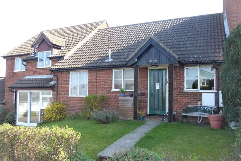 2 Bedrooms Semi Detached Bungalow for sale in Briardale Avenue
