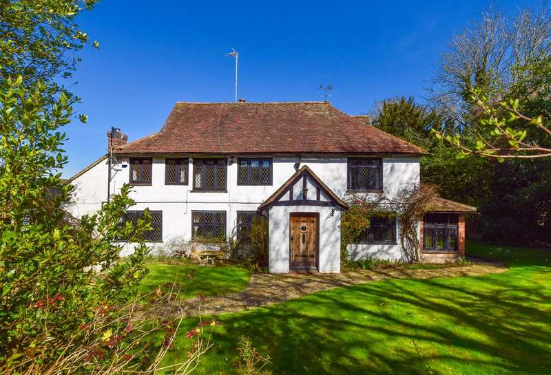 5 Bedrooms Detached House for sale in Church Road, Lingfield