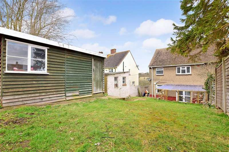 3 Bedrooms Semi Detached House for sale in Cunningham Crescent, Chatham, Kent