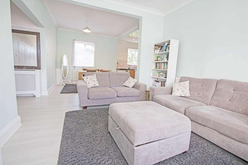 3 Bedrooms Detached Bungalow for sale in Thornfield Grove TS5