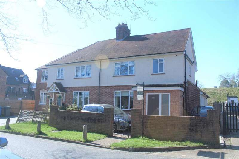 4 Bedrooms Semi Detached House for sale in Truss Hill Road, Sunninghill, Berkshire, SL5
