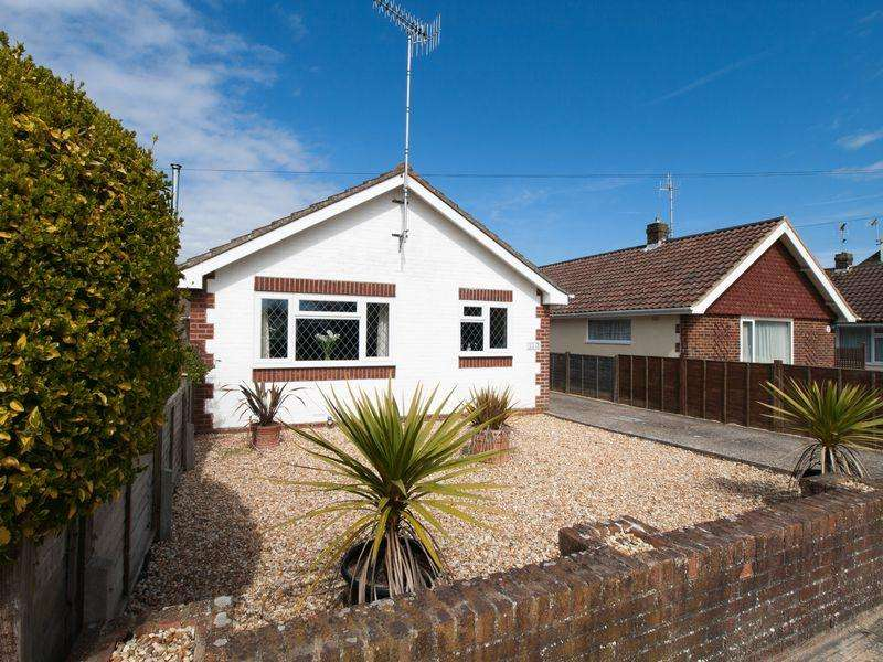 2 Bedrooms Detached Bungalow for sale in Felpham, West Sussex