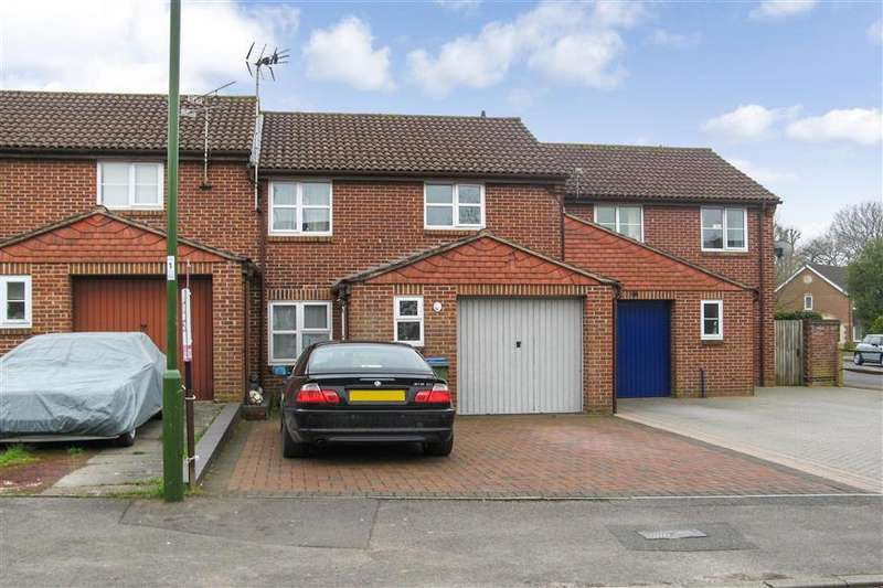 3 Bedrooms Terraced House for sale in Castlewood Road, Southwater, Horsham, West Sussex