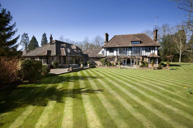 6 Bedrooms Detached House for sale in East Common, Harpenden, Hertfordshire