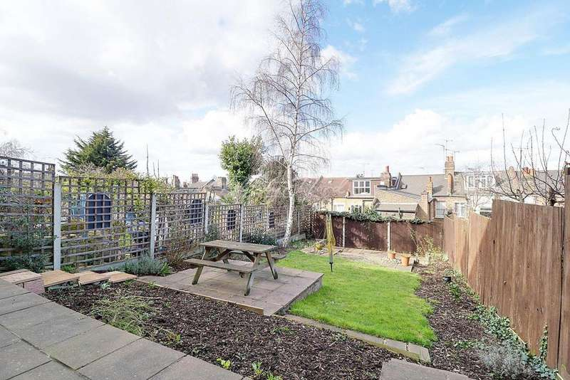 3 Bedrooms Terraced House for sale in Bramshot Avenue, Charlton, SE7