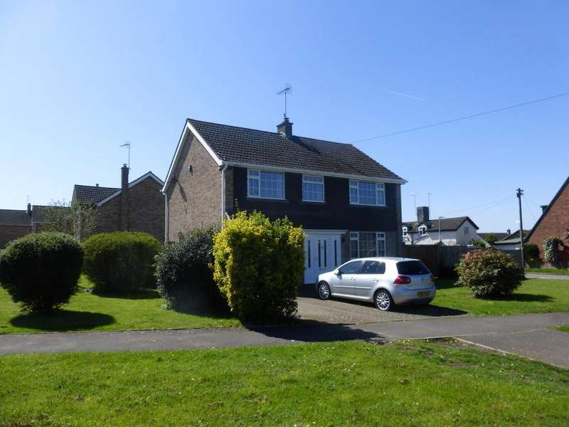 4 Bedrooms Detached House for sale in St Swithuns Road, Hempsted, Gloucester, GL2