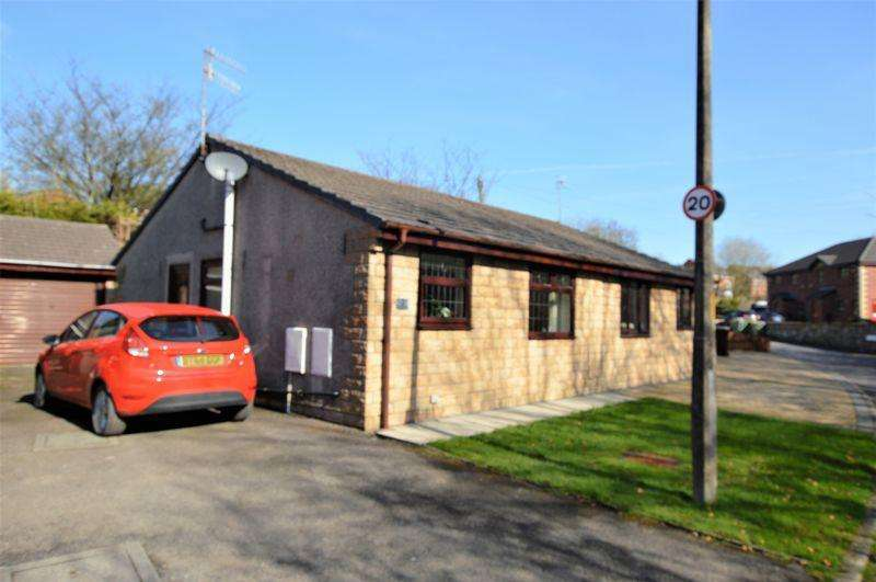 2 Bedrooms Semi Detached Bungalow for sale in Spodden Fold, Rochdale