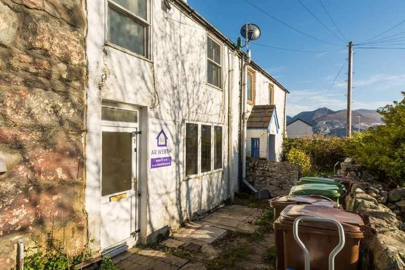 2 Bedrooms Terraced House for sale in Frondeg Street, Llanllechid, Bangor, North Wales