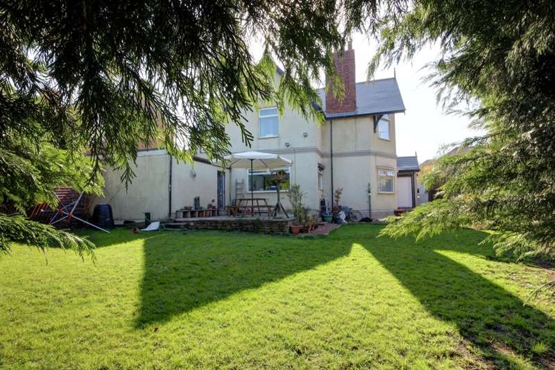 3 Bedrooms Detached House for sale in John Street, Houghton Le Spring, DH5