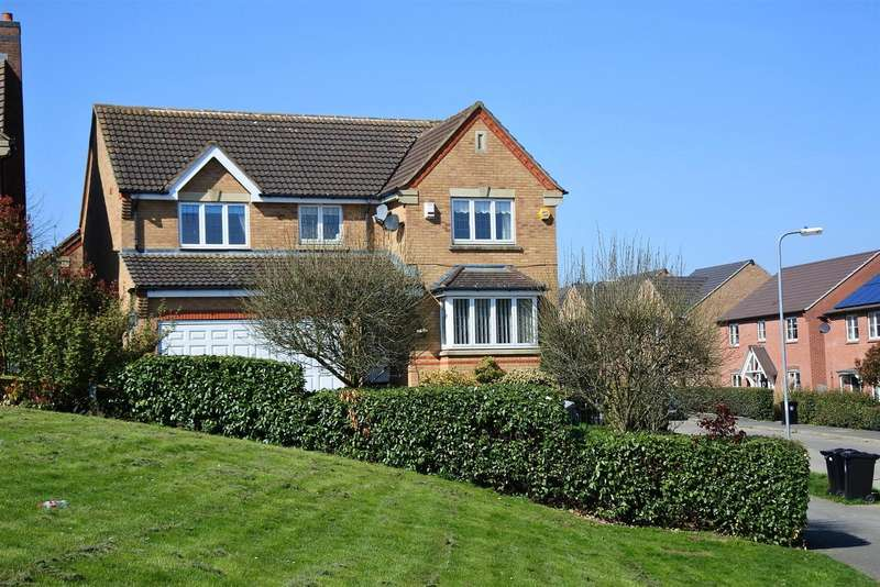 4 Bedrooms Property for sale in Balmoral Drive, Grantham