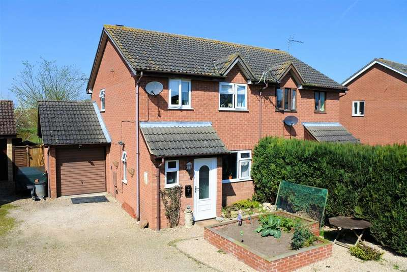 3 Bedrooms Detached House for sale in Meadowbrook, Ancaster, Grantham