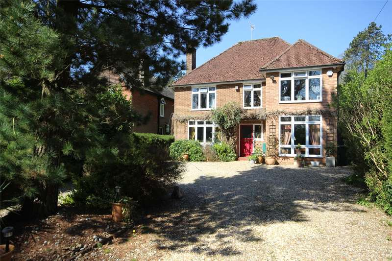 4 Bedrooms Detached House for sale in Winchester Road, Alton, Hampshire, GU34