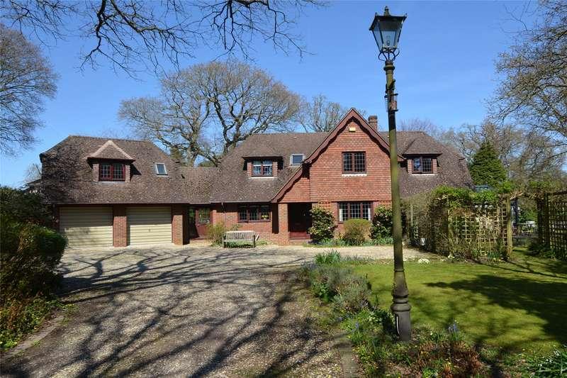 4 Bedrooms Detached House for sale in Lower Pennington Lane, Pennington, Lymington, Hampshire, SO41