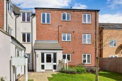 2 Bedrooms Flat for sale in Lavender Hill, Broughton, Milton Keynes, England