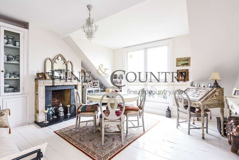3 Bedrooms Flat for sale in Wolseley Road, Crouch End, London, N8 8RR