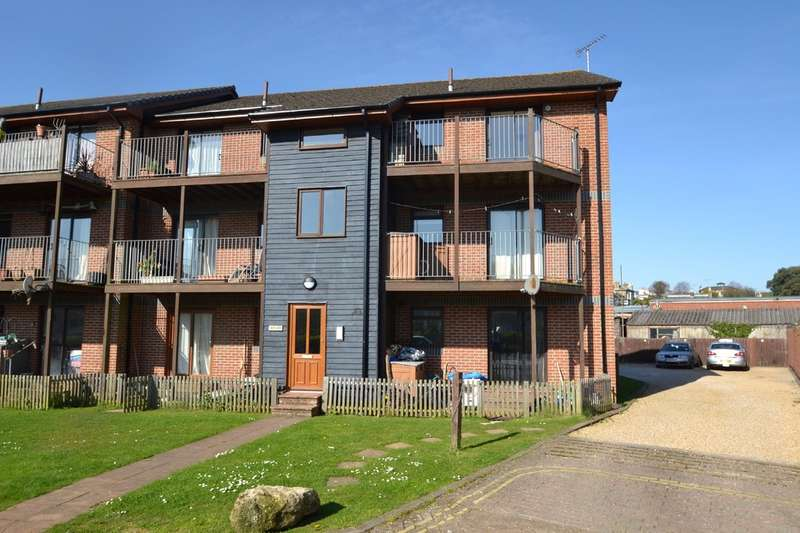 2 Bedrooms Flat for rent in Marymead Close, Ryde