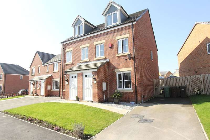 3 Bedrooms Semi Detached House for sale in Marsden Avenue, Ossett, West Yorkshire, WF5 0AW