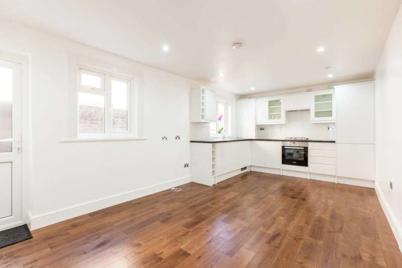 2 Bedrooms Flat for sale in Concanon Road, Brixton, SW2