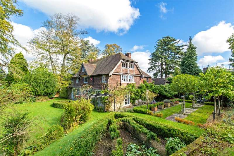 4 Bedrooms Detached House for sale in Selsfield Road, East Grinstead, West Sussex, RH19